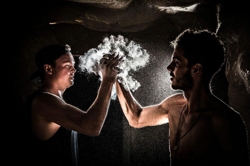 Bouldern, High Five, Magnesium, Spray, Action, Sportfotograf, Lorenz Masser